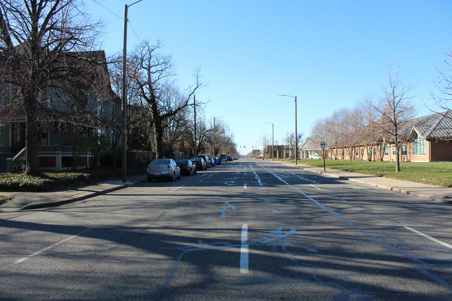 In Woodbridge, a section of Warren Avenue is a one-way street with three travel lanes plus parking.WDET/Laura Herberg