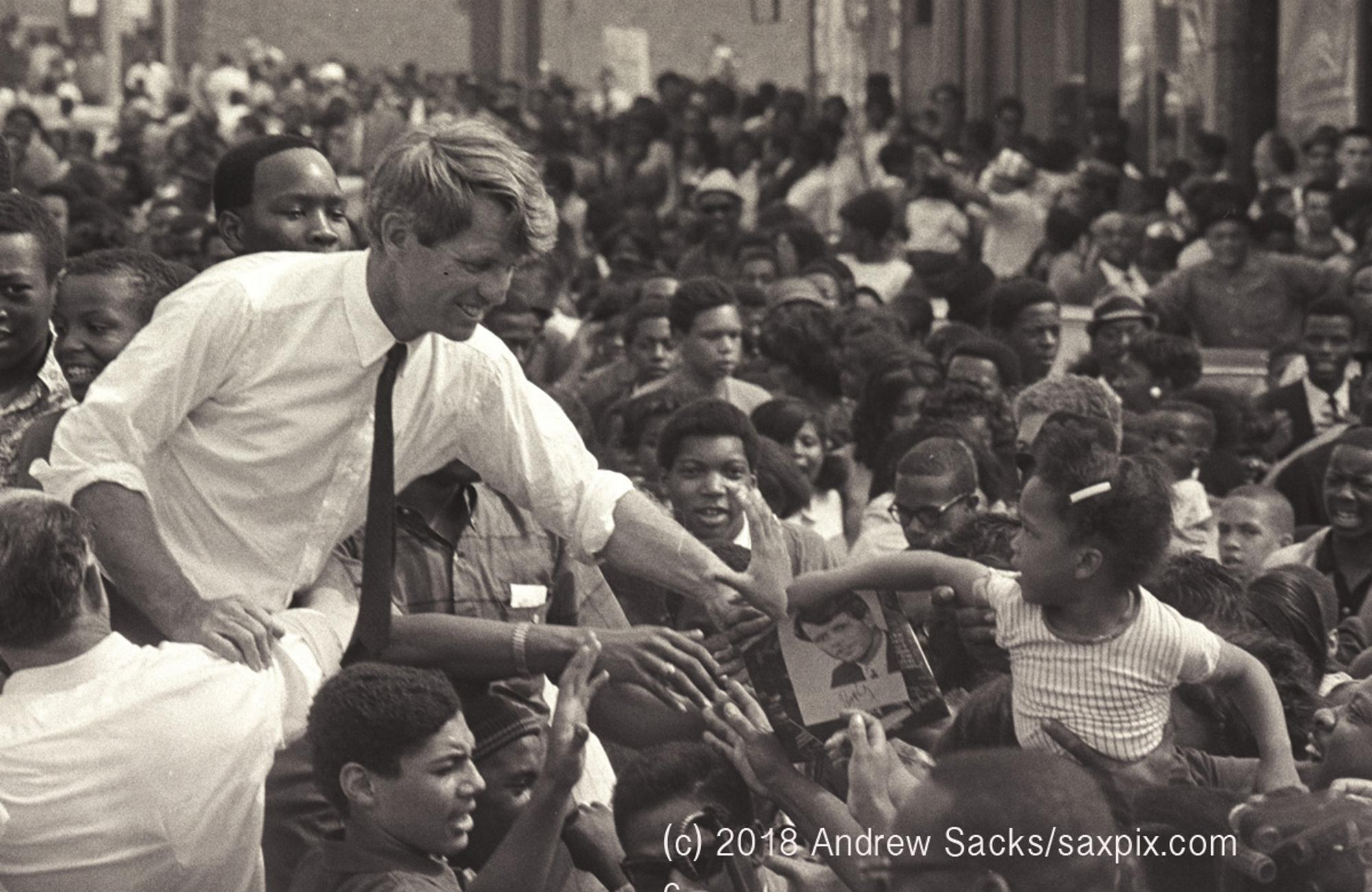 1968 : Robert Kennedy Campaigns in Detroit