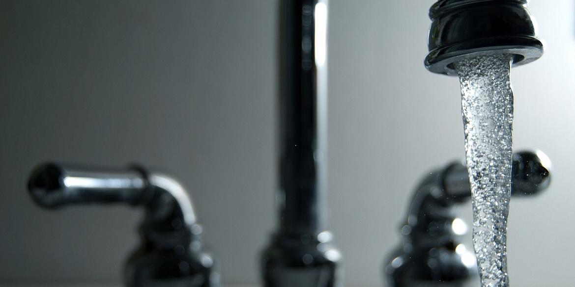 Water running from faucet, credit: Steve Johnson